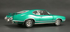 1972 Oldsmobile GREEN 1:18 1805602