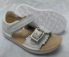 3210eb606233 BNIB Clarks Girls Ivy Flora White Leather Air Spring First Sandals F G  Fitting