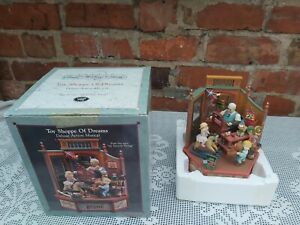 """Enesco Toy shoppe of dreams Deluxe Action Music box """"My Favourite Things"""""""