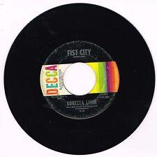 DECCA 32264 Loretta Lynn – Fist City/Slowly Killing Me VG/VG+ 7 45