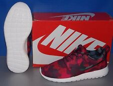WMNS NIKE ROSHE ONE PRINT in colors GARNET / BLACK / RED / BERRY SIZE 6
