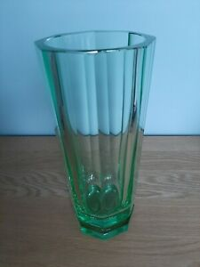 VINTAGE RETRO GREEN GLASS  VASE BEAUTIFUL OCTAGONAL SHAPE 3kg VGC