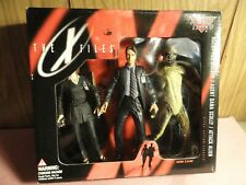 1998 McFarland The X-Files Agent MULDER, Agent SCULLY & ATTACK ALIEN, NEW