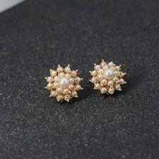 Ohrringe CLIP auf golden Blumen- Mini Perle weiß Runde Retro J13