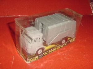 SAVIEM S5 C BENNE A ORDURES poubelle N°101 1/43 plastique ancien NOREV
