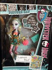 Monster High Lagoona Blue muñeca de día de imagen y Accesorios BN
