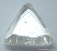 F VS1 TRIANGLE SHAPE ROUGH DIAMOND NATURAL DIAMOND OUT FROM A DIAMOND MINE