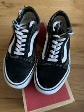 Vans Old Skool Black/White Trainers Mens 5UK