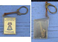 Porte-clé des années 1960-70, Biscuits l'Alsacienne, saxophone