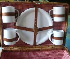 Wicker Picnic Hamper with 4 place Settings and Cloth