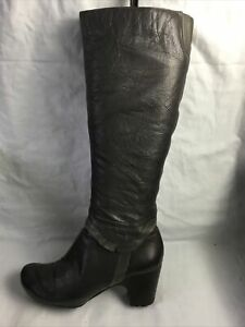 Clarks  Ladies Knee High Boots UK Size 5 EU Size 38 Brown Leather