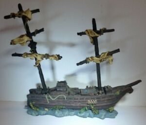 """Water Works Pirate Ship 7""""  NOTE: New but Missing 1 Mast"""