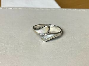 Vintage Mother of Pearl Sterling Silver Ring
