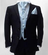 Abbigliamento e accessori blu per il matrimonio dal Perù