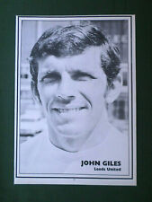 JOHN GILES - LEEDS UNITED PLAYER -1 PAGE PICTURE -CLIPPING /CUTTING