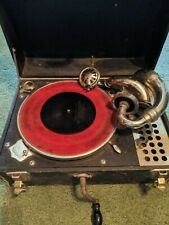 Antique gramophone phonograph. This works, just need the needle.