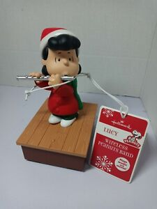 2011 Hallmark Christmas Wireless Band Lucy Playing Flute Peanuts Charlie Brown
