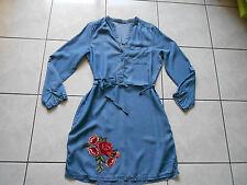 Jolie robe en jean  femme  taille 40 Neuve