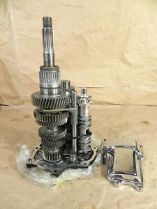 Transmission Gears Shafts Bearing Housing Harley Dyna Touring Six Speed #2184