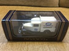 FORD MODEL B V8 TRUCK 'BOOTS THE CHEMIST' WHITE 1:43 ELIGOR MODEL *VGC BOXED*