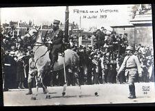 PARIS : Défilé MILITAIRE , OFFICIER à CHEVAL à la FETE DE LA VICTOIRE en 1919