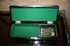 ancienne boite à musique du XIX ème boite à gant laque japonisant
