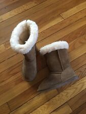 BearPaw Marissa Mid-Calf Boots Size 2 Youth Hickory Suede Ivory Wool Nwob