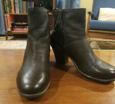 Womens Brown Leather Easy Spirit Boots with Heels Size 9