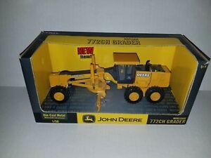 2003 ERTL 1:50 Scale Diecast John Deere 772 CH Road Grader NEW