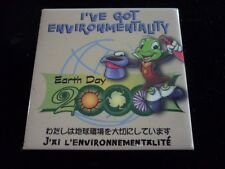DISNEY  JIMMY CRICKET BUTTON I'VE GOT ENVIROMENTAITY EARTH DAY  2000