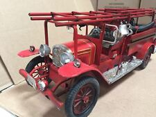 Handmade 1:24 Iron Metal Vintage Fire Engine 12 inches Long #82602
