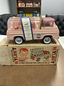Nylint No.6200 Ford 1960s Kennel Truck-In Mint Condition-With Box and Inserts!