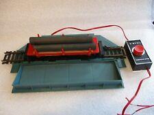 TYCO # 926  LOG DUMP CAR SET. . LOG CAR- 3 LOGS - AUTOMATIC LOG DUMP STATION. H.