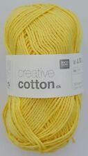 Lanas e hilos color principal amarillo de algodón