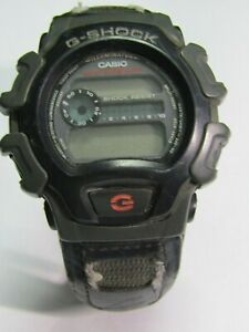 Men's Casio G Shock watch 1659 DW-004  for parts/repair  # 85