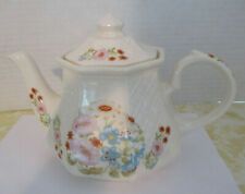 Sadler Tea Pot Weave Flowered Style