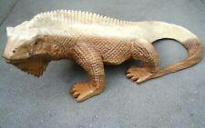 Wooden Hand Carving Figure Lizard 30 cm Natural Beige Colour Home Decoration