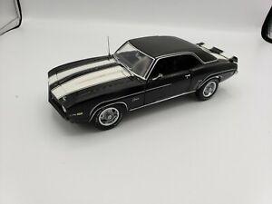 Franklin Mint 1969 Chevrolet Z28 1/24 Diecast Model