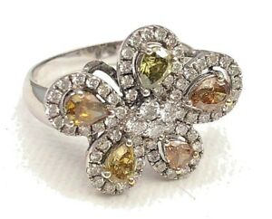 Ring with Genuine Diamonds 18K White Gold Ring - Flower Shape