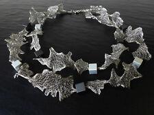 A Sign *Curly N°2* Kette/Halskette Gewebeband & Aluminium-Würfel Silber & Grau