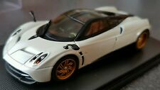 Pagani Huayra 1:43  Welly GT Autos  Limited Edition  in Vitrine (Edel)