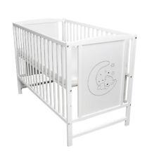 Babybett Gitterbett Kinderbett 120x60 Weiß MOND Motiv mit Matratze NEU