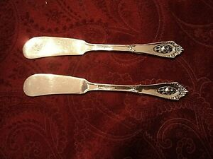 """2-WALLACE ROSE POINT FLAT HANDLE BUTTER KNIVES 5 1/2"""" NO MONOGRAM"""