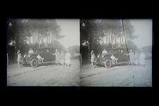 Famille avec sa voiture France vers 1930 Plaque stéréo nétagive abimée