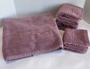 Simply Vera Vera Wang Towel Set Plum Color 1 Bath 2 Hand 2 Washcloth Preowned
