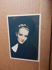 De Reszke Film Star postcard Marlene Dietrich  unposted  .