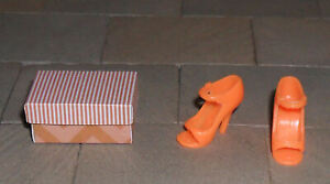 HAND-MADE 1/12TH SCALE DOLLS' HOUSE SHOES AND SHOE BOX