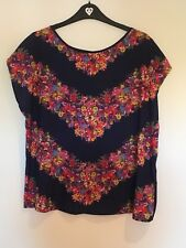 Stunning Navy Floral Ladies Size L Silky OASIS Top