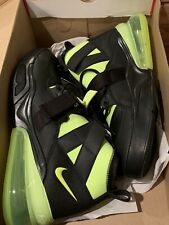 Nike Air Max Force 270 Utility AQ0572-001 Men's Size 9 Black Volt NIB Jordan