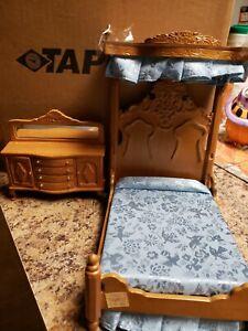 Lot 2 Dollhouse Miniatures Furniture Ornate Blue Bird Bed Dresser Mirror